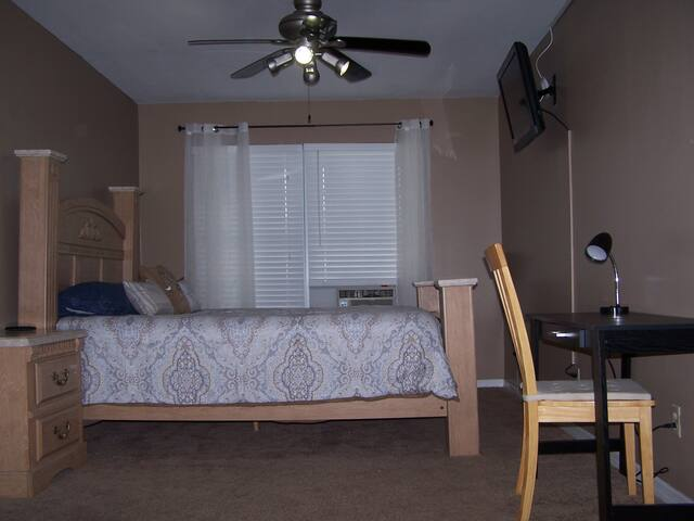 Private, conveniently located Studio in Tampa - Tampa - Apartamento