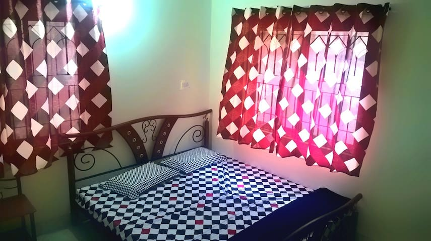 Spacious and yoga friendly apartment - Mysuru - Pis
