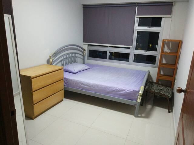 Bedroom with air conditioning near Commonwealth