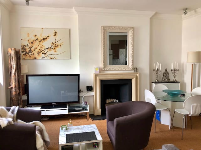 Spacious flat at the heart of Notting Hill