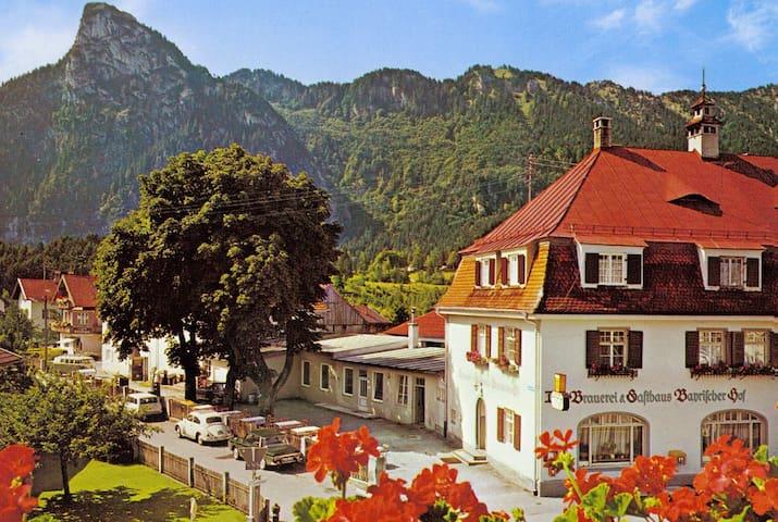 Oberammergau Vakantiewoning met bergzicht (2OG)