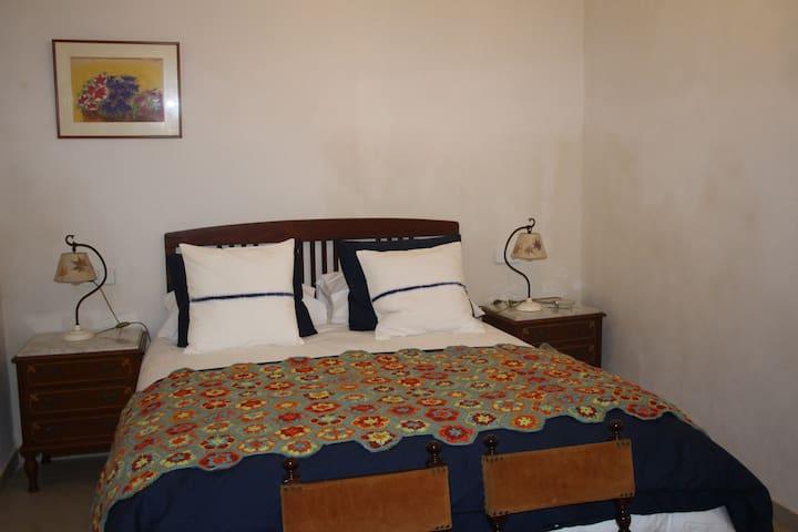 Sa Madona de sa Pleta B&B Yellow Room. - Muro - Bed & Breakfast