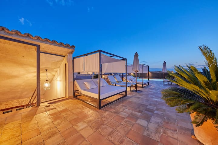 Adults Only - Design superior room with jacuzzi & shared pool in a small boutique hotel