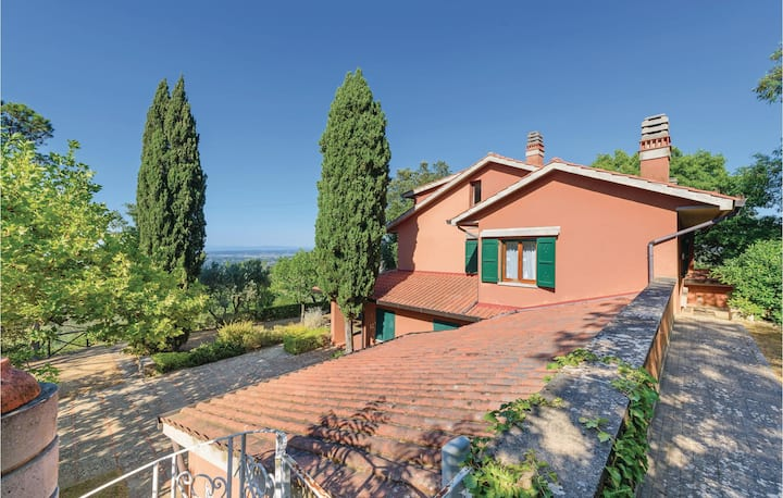 Amazing home in Casciana Terme with WiFi and 5 Bedrooms