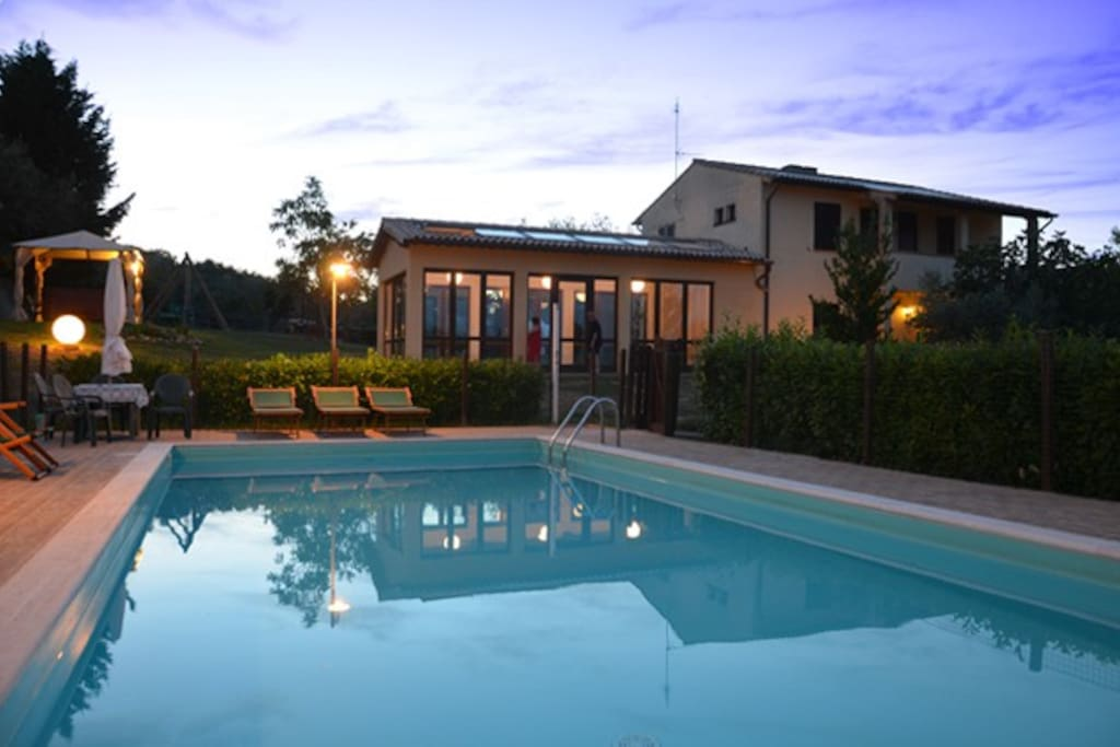 Il casale con la piscina The country house with pool