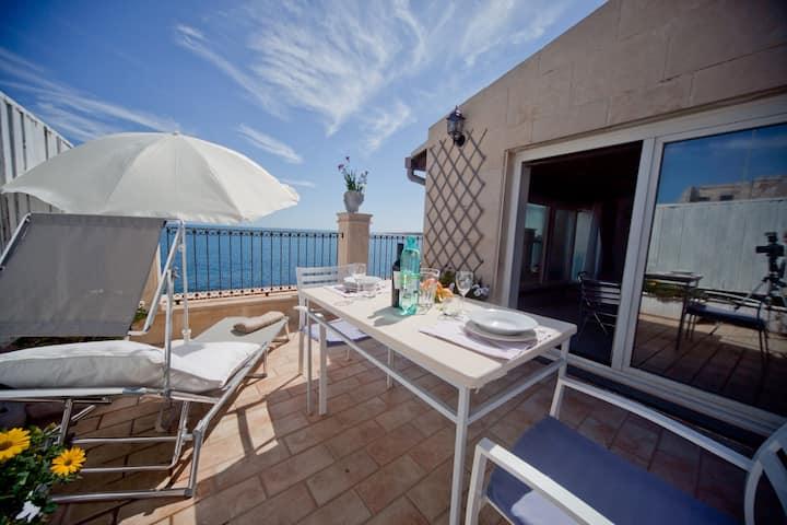 Veranda Suite with sea views