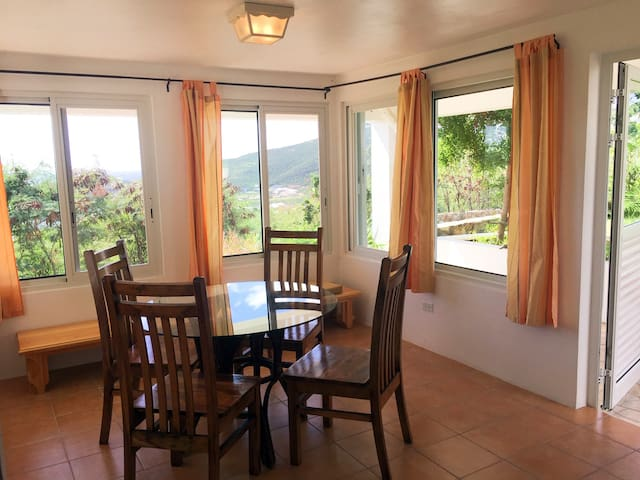Large One Bedroom (65 m2) - Total Privacy