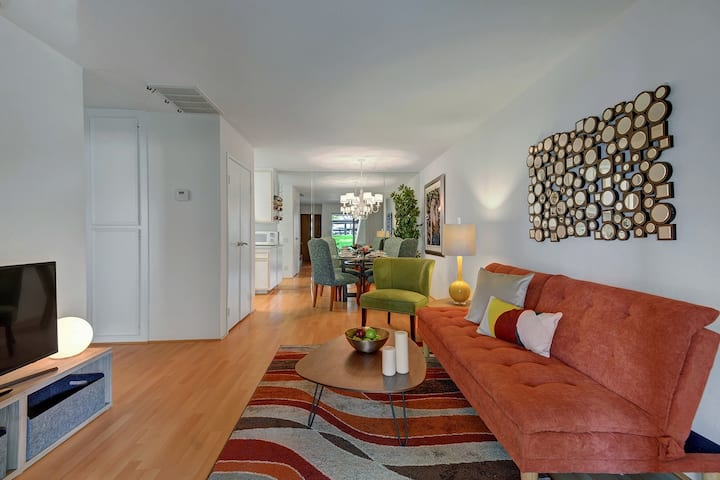 Uptown Oasis - 1 BR Condo 600sq ft- Pool - Tennis