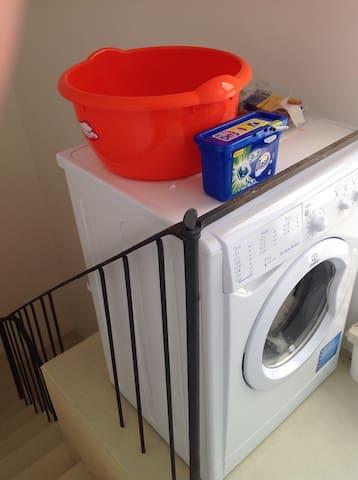 washing machine on roof terrace level... Ideal!!
