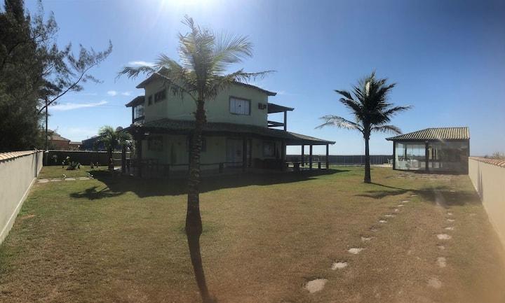 Casa de praia - pé na areia para 20 pessoas