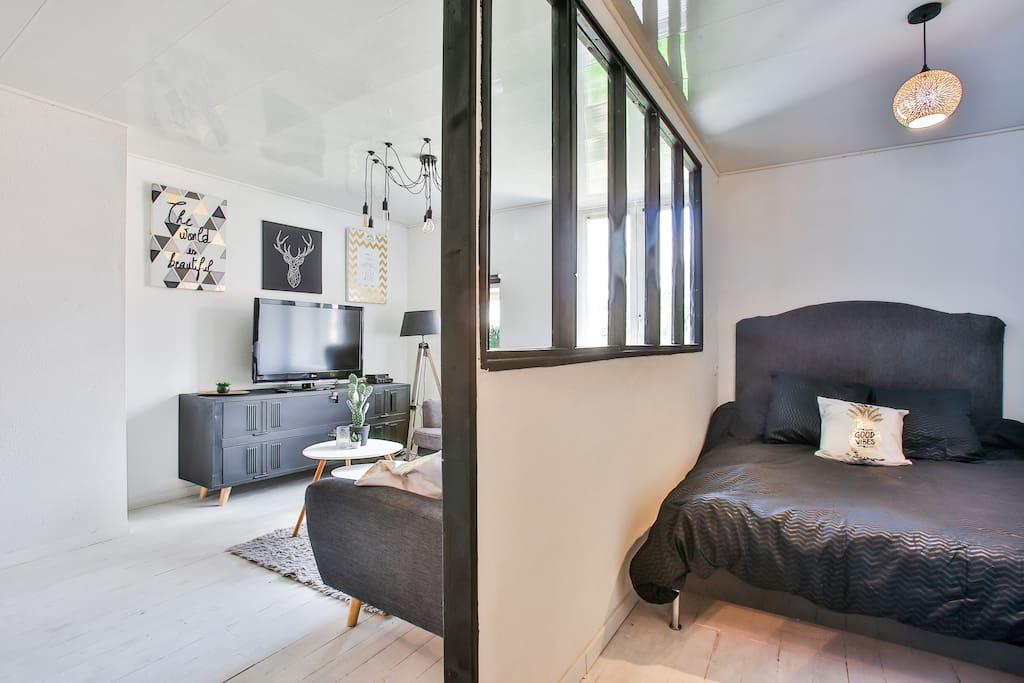 La chambre avec son lit 140x200