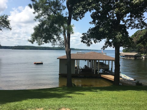New Lakeside Guesthouse Main Lake Steps From Water