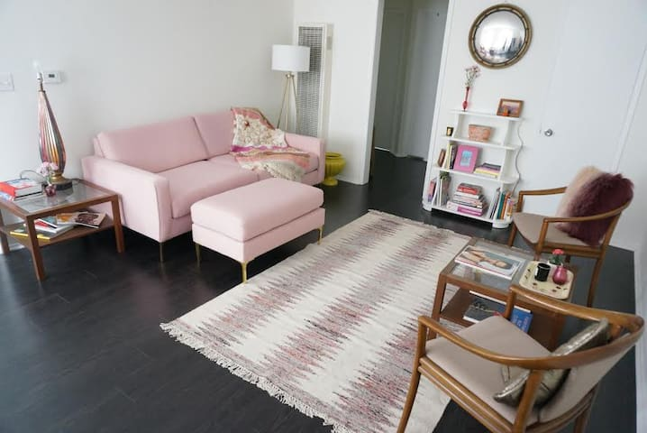 Bright Private Bedroom in Hollywood - Los Angeles - Flat