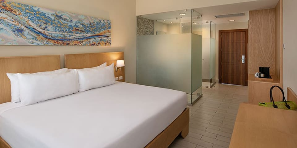 Tropical Studio Suites at 5* All-Inclusive Resort.
