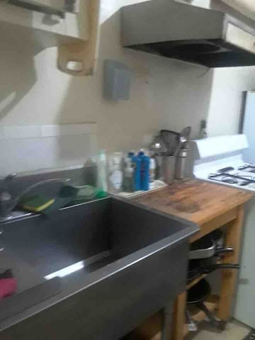 Shared kitchen with other tenants ( only one couple )