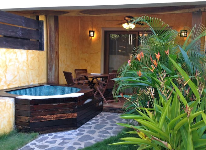 Modern surf house in down town - Tamarindo - Dům