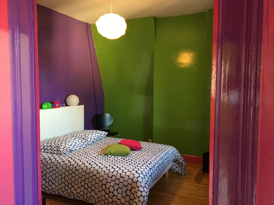 b b le nid chambre diabolo sdb s par e bed and breakfasts for rent in auxerre bourgogne. Black Bedroom Furniture Sets. Home Design Ideas