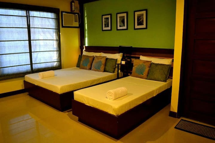 Fully serviced (double) room near Doljo Beach - Bohol - Villa