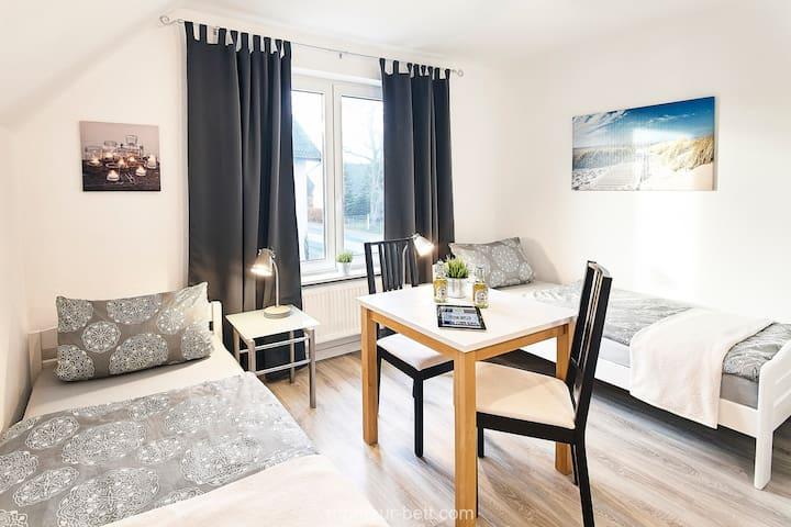 Einzelbett im Monteurzimmer Flensburg ab 15€