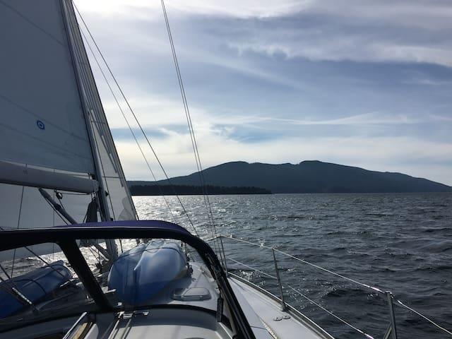 The ultimate San Juan Islands Sailing Adventure