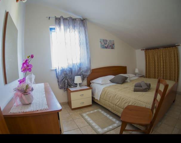Marzamemi apt by the sea +comfort services Grano21