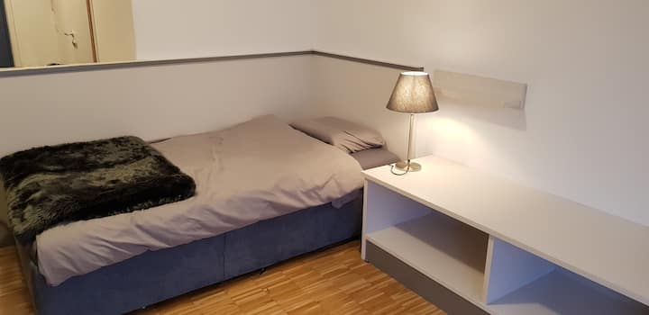 Cozy studio, conveniently located and quiet