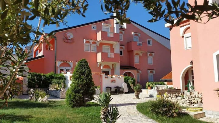 Big holiday in a small country B&B LA PERLA