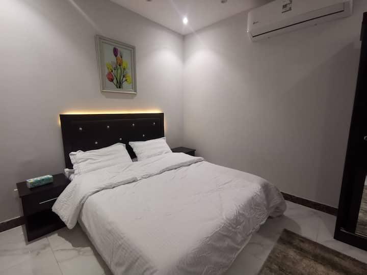 2..شقق فندقية بالمدينة غرفه و مطبخ وحمام (جديدة)