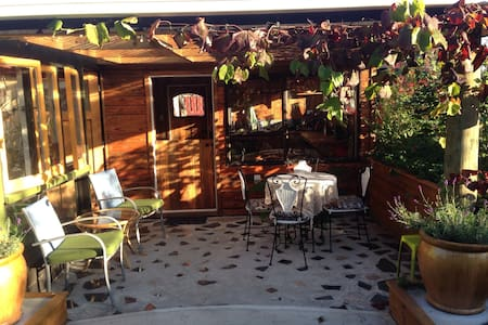 Kensington Garden Studio - Waihi