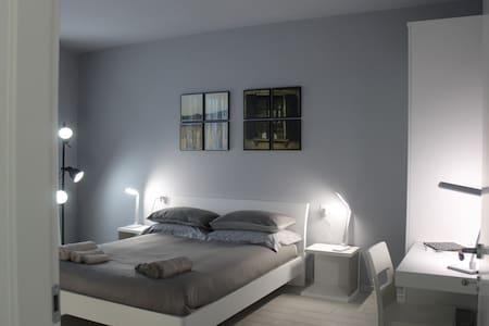 LA3BIANCA DE LE3STANZE - Borgomanero - Bed & Breakfast