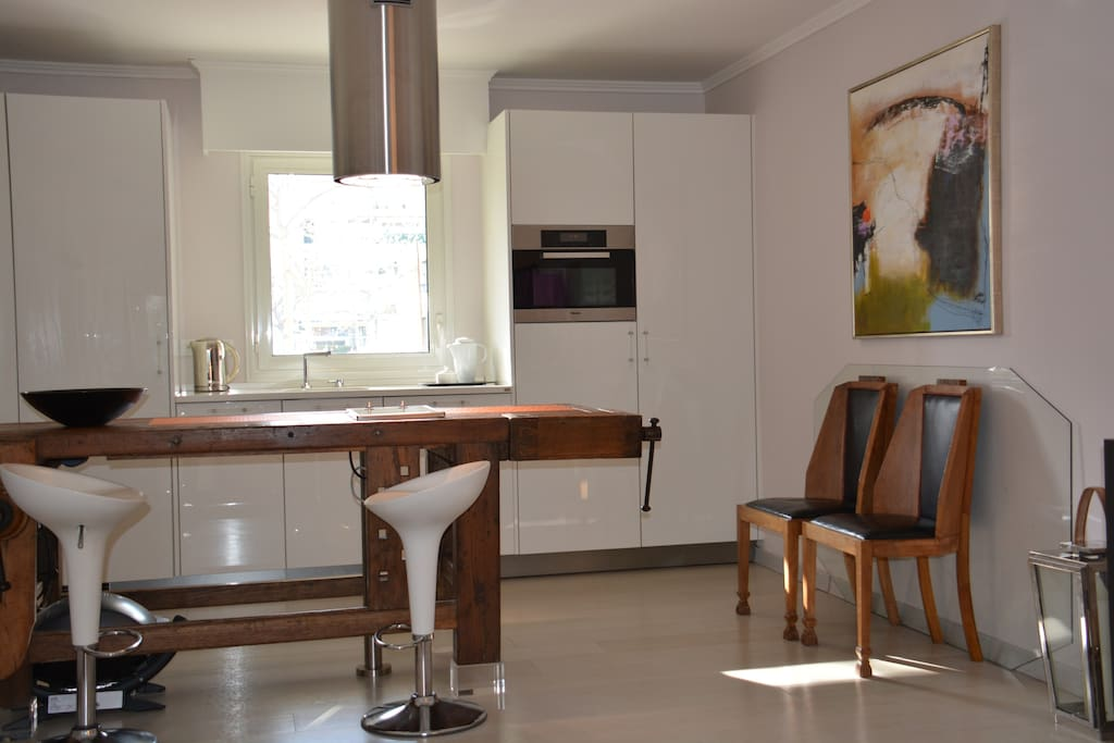 Spacious Kitchen with top of the range Meile appliances