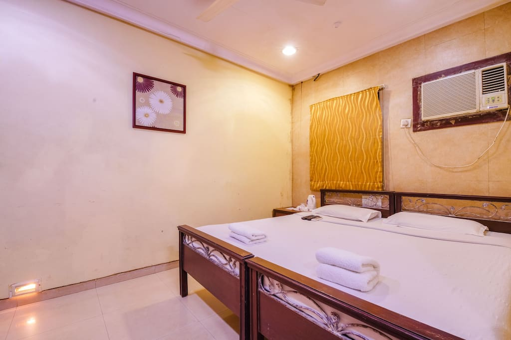 Deluxe double room room 118 boutique hotels for rent for Best boutique hotels in mumbai