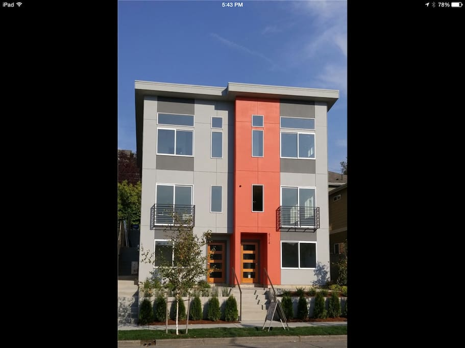 New Modern 3 Bedroom 2 Bathroom Townhouse Houses For Rent In Seattle