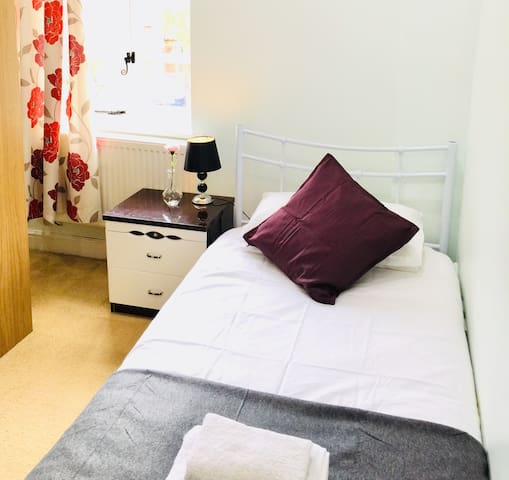 Room 1 - Private Single Room in Ironbridge Village