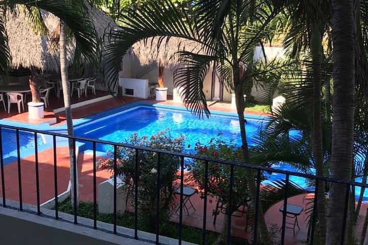 Agradable Depto. en Manzanillo a 1 cuadra del mar