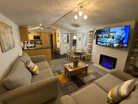 Cosy Hot Tub Cabin in Heart of Northumberland