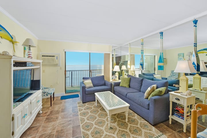 Beautiful Bay Front 2 Level Condo with Outdoor Pool in Pintail Point!