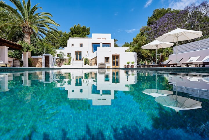 AUTHENTIC FINCA WITH SEAVIEW IBIZA  ( ET0644E)