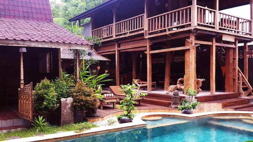 Bedos House, Suasana Resort