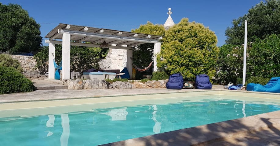 Independent trullo with kitchen  and pool