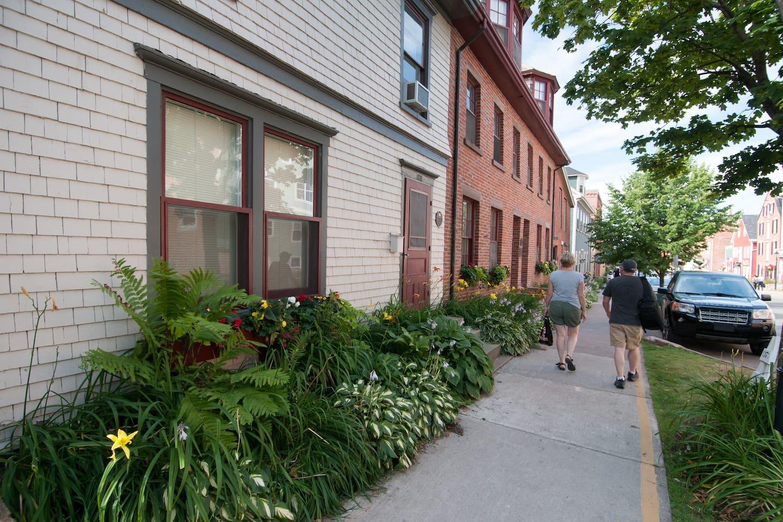 The Islander Newspaper House streetscape.