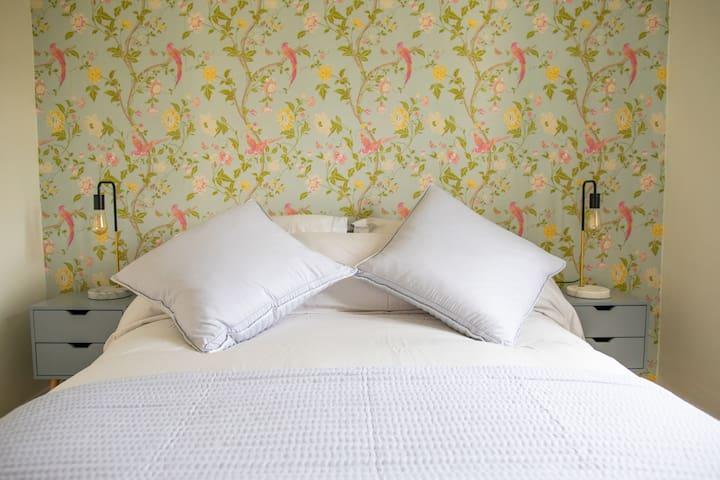 Second bedroom - King