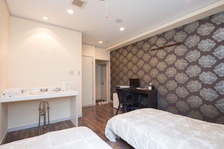 Bari Room for 2-3 nearest KanazawaSt WIFI#202