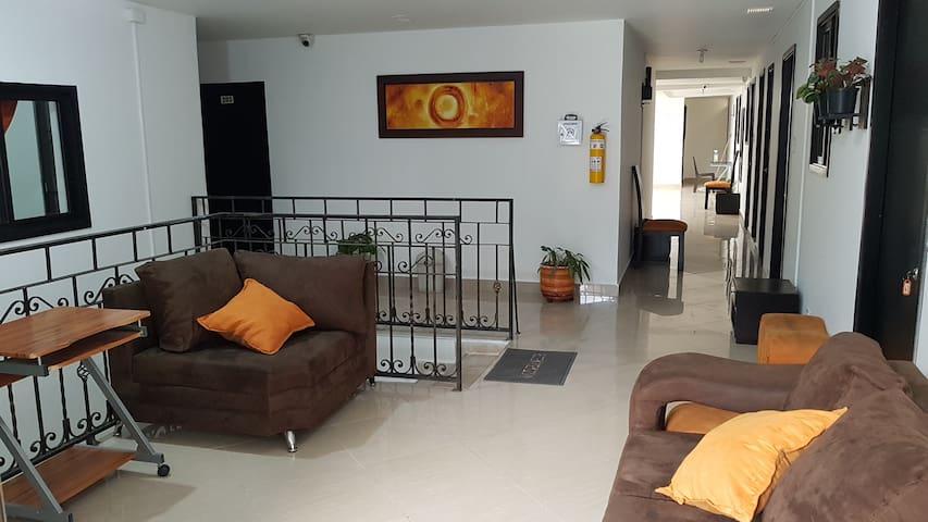 APARTA HOTEL LAURELES HOME HABITACIÓN PRIVADA 207