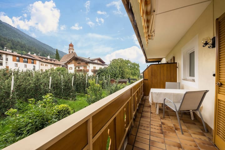"Cute Holiday Apartment ""Residence Kronstein - FeWo 4"" with Balcony, Shared Garden, Mountain View, Wi-Fi & TV; Parking Available"