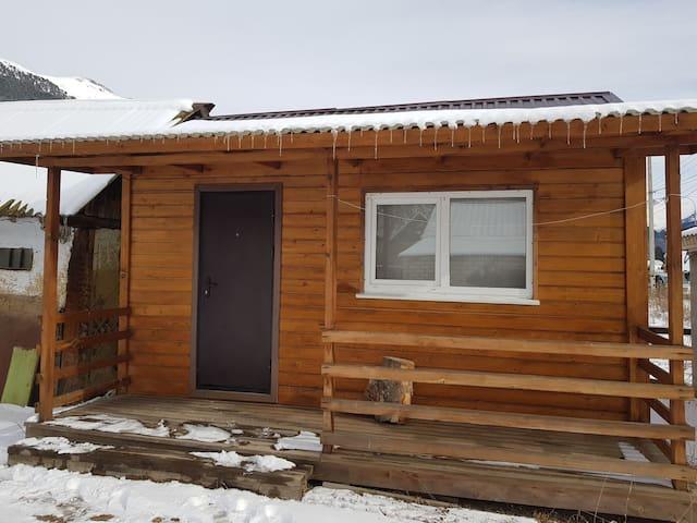 2 местный Деревянный домик