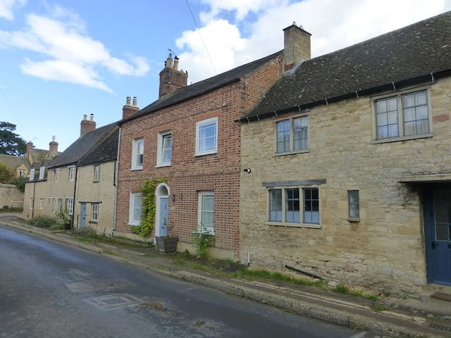 Victorian house close to Oxford and the Cotswolds - Eynsham - Hus