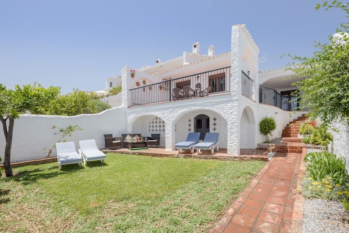"Holiday Home ""Nerja Capistrano Villa"" with Sea View, Wi-Fi, Garden, Terrace & Shared Pool"