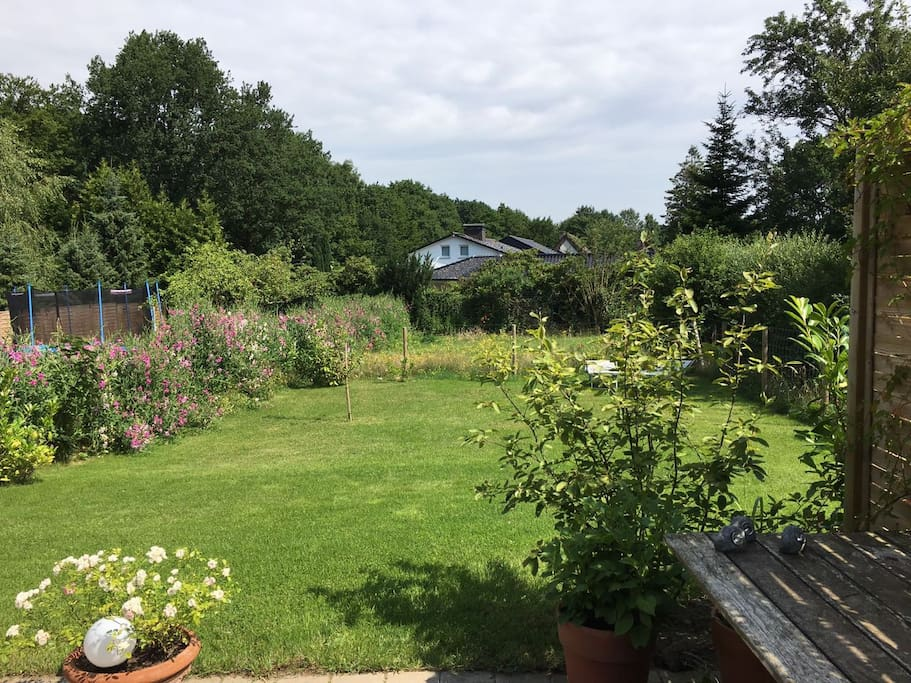 Einruhiger Garten, direkter Zugang vom Zimmer aus