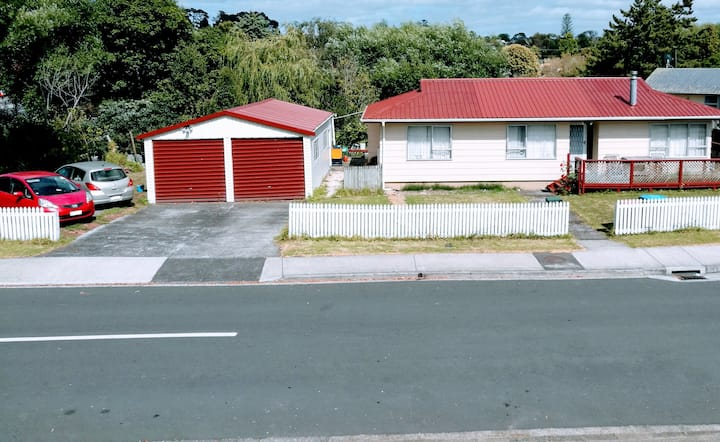 Auckland  Local Life